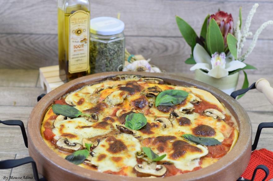 Pizza cu ciuperci și ulei infuzat cu hribi
